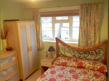 DOUBLE/SINGLE ROOM AVAILABLE