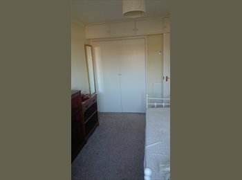 EasyRoommate UK - Double Room for Rent - Old Town, Eastbourne - £450