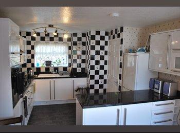EasyRoommate UK - Single room - Kennington, Ashford - £300