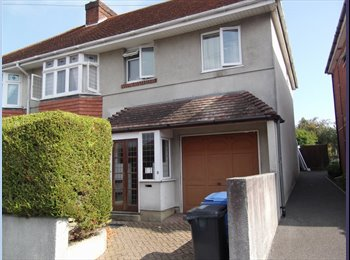EasyRoommate UK - Large double room available in Parkstone - Upper Parkstone, Poole - £455