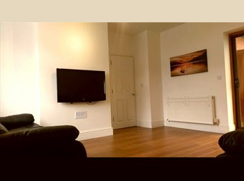 Luxury Double Rooms to Let in Stapenhill, Burton