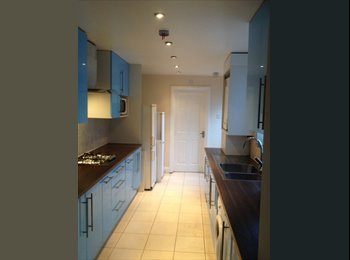 Lovely Double Room to Let in Stratford