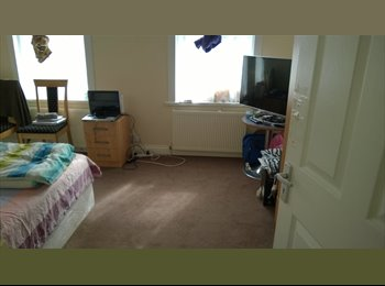 A double room to share for two girls or for a coup