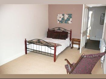 Double bedroom available in Cathcart flatshare