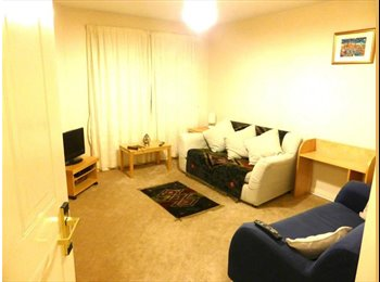 3 BED FLAT WITH 2 SPARE ROOMS CLOSE TO CITY