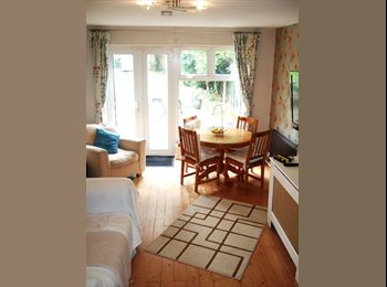 EasyRoommate UK - House Share - 3 doubles - Oadby, Leicester - £350