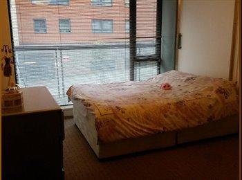 EasyRoommate UK - Amazing Double Room in Stratford £845 - Stratford, London - £845