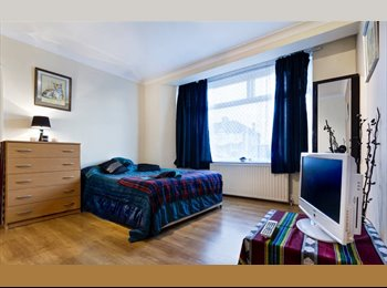 Extra Large Double ENSUITE room in Enfield