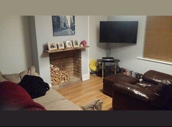 EasyRoommate UK - Mid terrace house  - Harpole, Northampton - £400