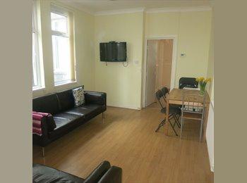 EasyRoommate UK - Housemate wanted! £295p/m - Roath, Cardiff - £295