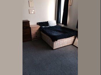 Huge master double bedroom in 3 bed house
