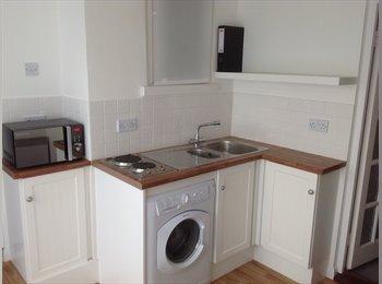 EasyRoommate UK - Newly Refurbished Independent annexe - Eastbourne, Eastbourne - £450