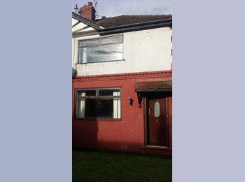 EasyRoommate UK - Double Room Available - Reddish, Stockport - £300