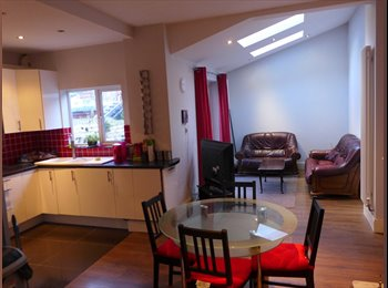 EasyRoommate UK - L15 double room £350/m Bills Inc high standard - Wavertree, Liverpool - £350