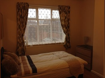 EasyRoommate UK - quality large rooms available in a newly renovated - Bentley, Doncaster - £346