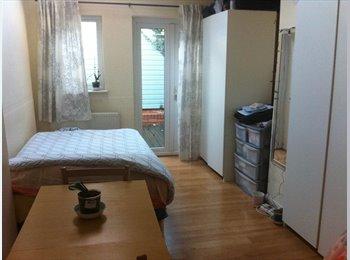 Ground floor double self contained en-suite studio