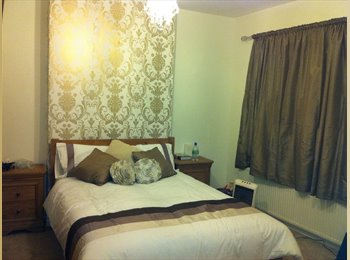 EasyRoommate UK - BILLS INCLUDED DOUBLE & SINGLE ROOMS, HALESOWEN - Birmingham, Birmingham - £375