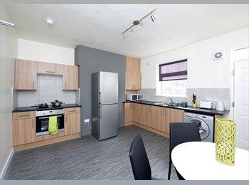 EasyRoommate UK - Superb fully furnished accommodation - Crigglestone, Wakefield - £340