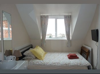 EasyRoommate UK - Single Bedroom En Suite for rent in Weston - Weston-super-Mare, North Somerset - £500