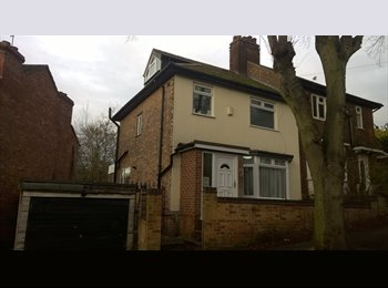 EasyRoommate UK - Large house in Sherwood - 2 rooms, prime location - Sherwood, Nottingham - £340
