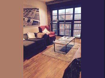 Double bed flat share in city centre