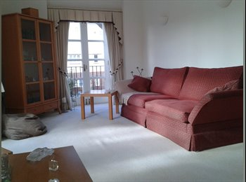 EasyRoommate UK - Luxury Apartment with own Bathroom , Tennis courts - Pyrford, Woking - £500