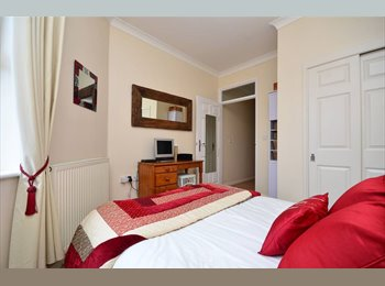 EasyRoommate UK - Gorgeous ang well furnished two bedroom. - Glasgow Centre, Glasgow - £480