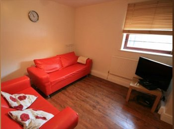EasyRoommate UK - All bills incl. Available immediately. - Woodhouse, Leeds - £350