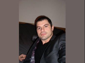 David   - 32 - Professional