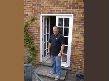 EasyRoommate UK - john  - 50 - Basingstoke and Deane