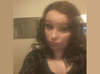 EasyRoommate UK - Samantha  - 18 - Newcastle under Lyme