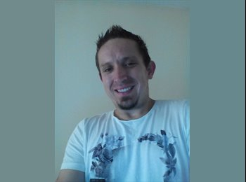 EasyRoommate UK - David - 34 - Torquay