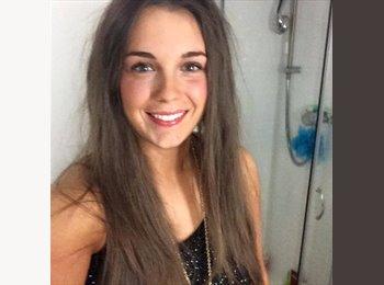 EasyRoommate UK - Emily - 23 - Bradford