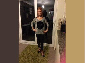 EasyRoommate UK - Stephanie  - 24 - Stockport