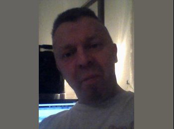 EasyRoommate UK - mick - 51 - Newcastle under Lyme