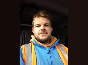 EasyRoommate UK - Andrew  - 35 - Peterborough