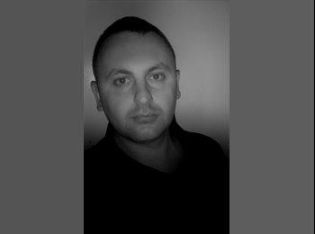 EasyRoommate UK - Damian - 27 - Bradford