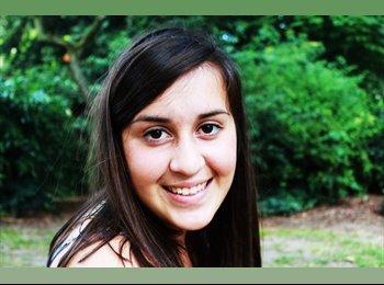Anais - 20 - Student