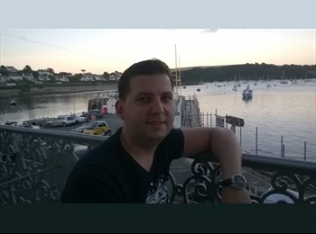 EasyRoommate UK - Alex - 28 - Bristol