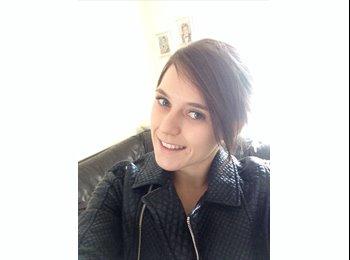 EasyRoommate UK - Aimee - 21 - Guildford