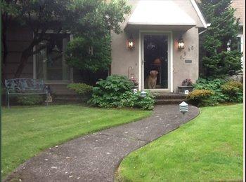 Nice Room in Attractive NE Portland Home