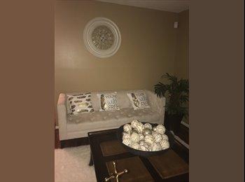 EasyRoommate US - 3 bedroom home, 3rd roommate needed! - Other Inner Loop, Houston - $500