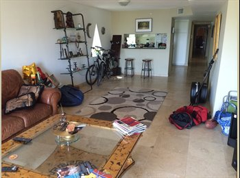 GREAT apt on Collins in North Shore near Surfside
