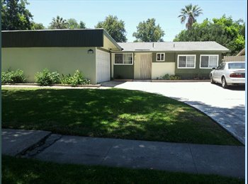 EasyRoommate US - House with pool walking distance from CSUF - Fullerton, Orange County - $550