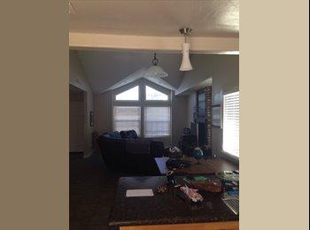 EasyRoommate US - Roomate needed, fully furnished - Oceanside, San Diego - $800