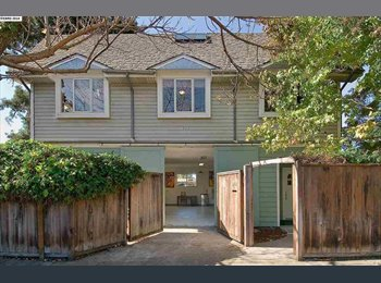 EasyRoommate US - Space available for young professionals in 3bd/3ba - Berkeley, Oakland Area - $900