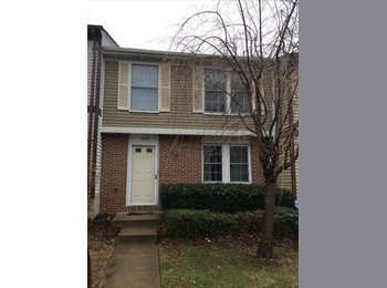Room for Rent in Reston Townhouse!