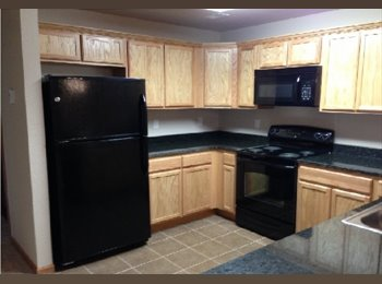 EasyRoommate US - Very spacious,  luxurious 2 bed/1 br apartment - Manhattan, Other-Kansas - $985