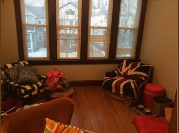 EasyRoommate US - Beauty on Berenice - North Center, Chicago - $685