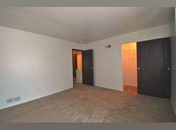 $550 / 920ft^2 - $550 (Master Room) 2bed/1bath AA